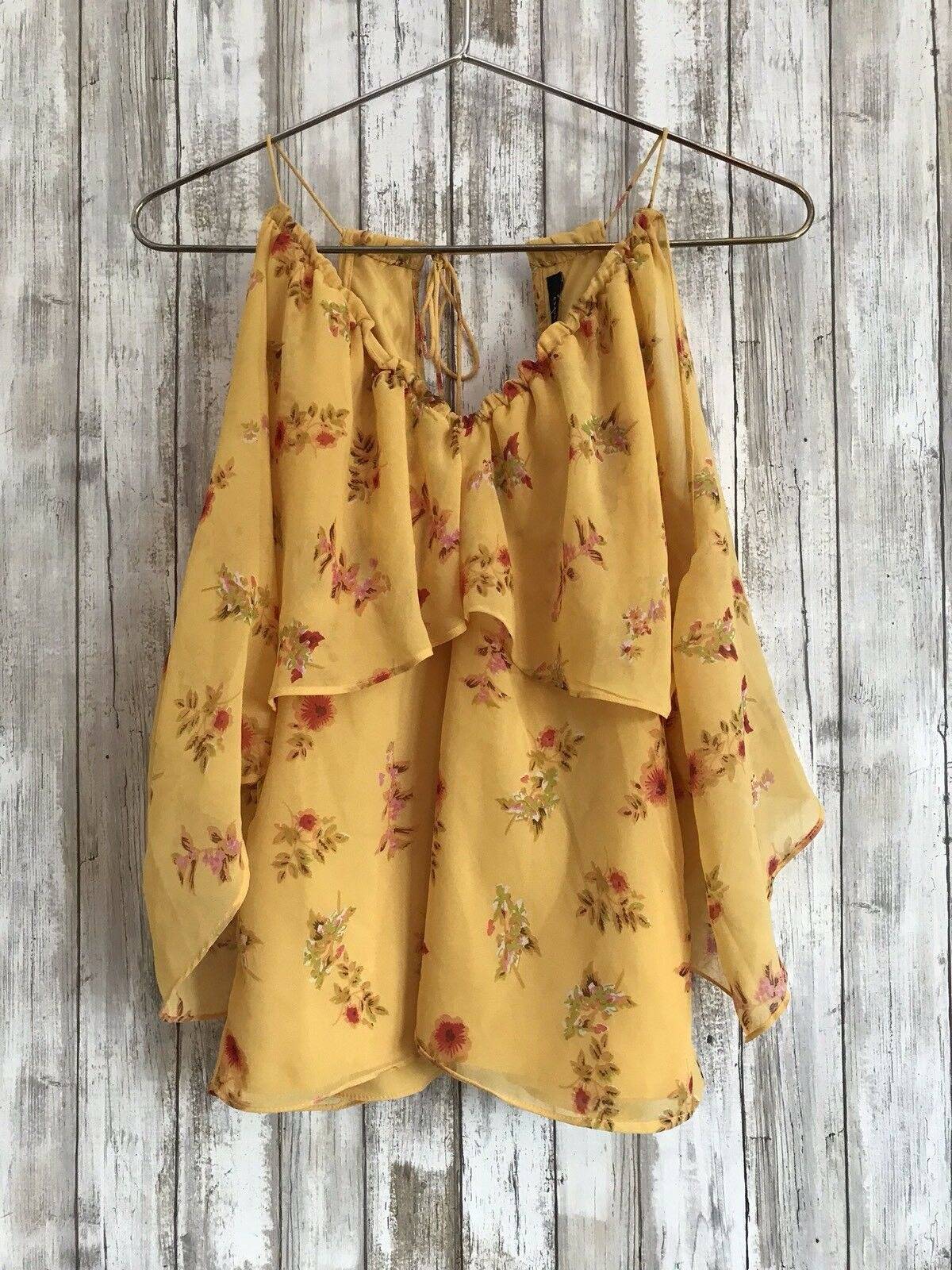 WALTER BAKER Saundra Cold Shoulder Ruffle Gelb Floral Blouse Top M Medium
