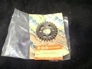 Suzuki-NOS-GEAR-3RD-DRIVEN-RM-TM-24331-28301
