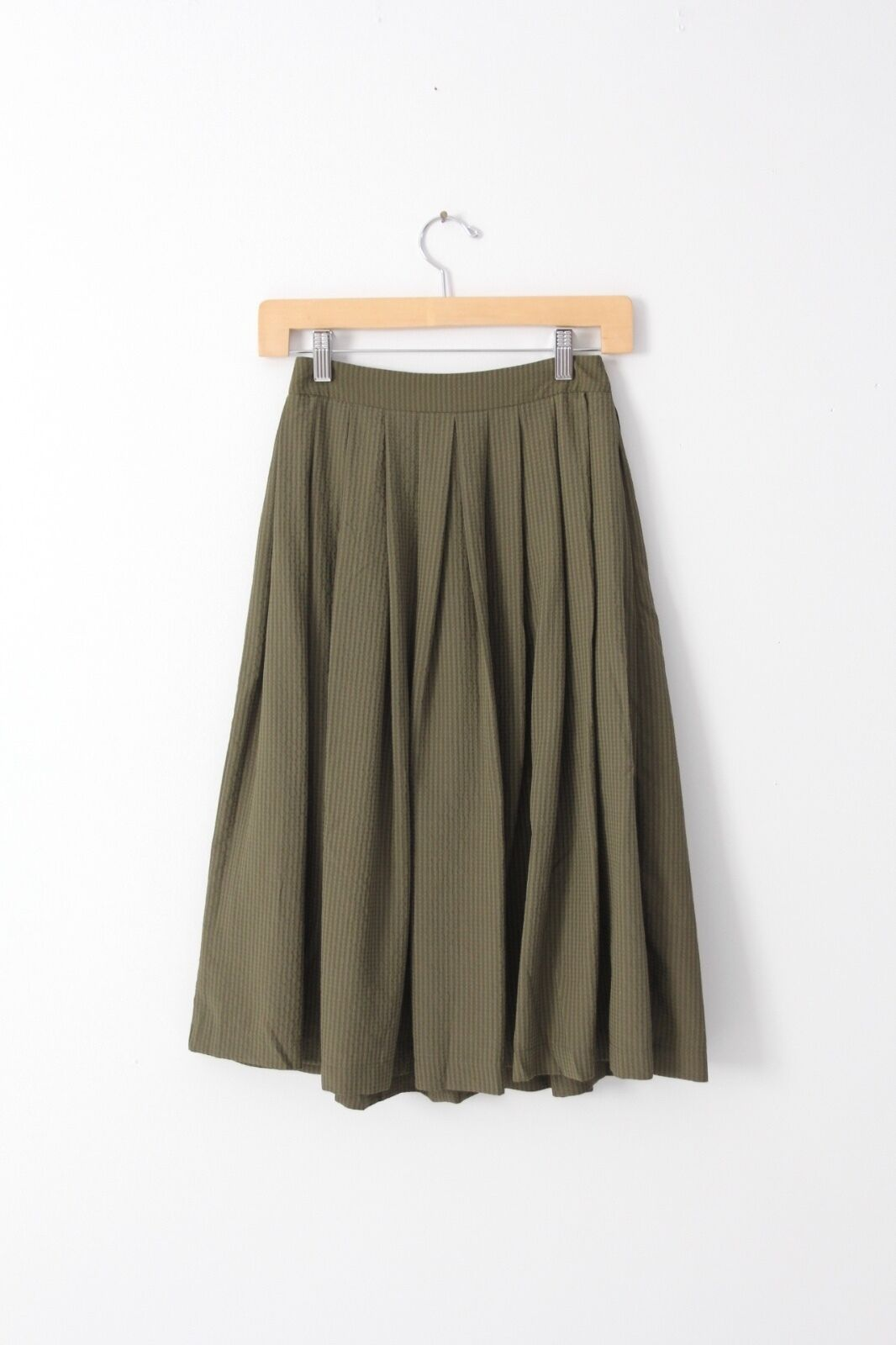 TopShop a-line pleated skirt, viscose olive green knee length skirt size 0
