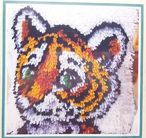 Latch-Hook-Tiger-Cub-Kit-12x12-Pillow-New-WonderArt-P460