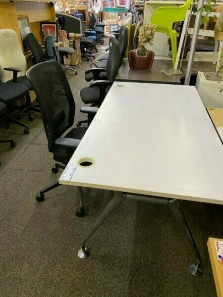MASSIVE 30% REOPENING SALE STARTS MONDAY 4th MAY ON ALL USED ,REFURBISHED WHITE DESKS,CHAIRS