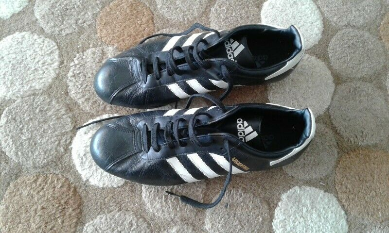 Adidas Argentina UK11 soccer boots for