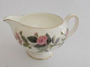 Wedgwood-034-Hathaway-Rose-034-English-Bone-China-Footed-Milk-Cream-Jug