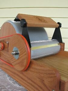 54-54tpi-Little-Tom-Manual-Drum-Carder-by-Fancy-Kitty