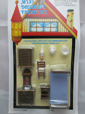 "1/4"" / 1/48th / O  Scale  Plastic Bedroom Furniture Set"