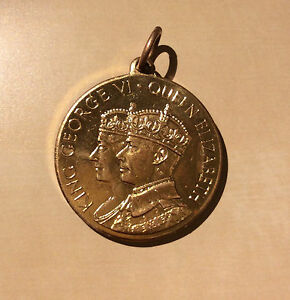 King Albert and Queen Elisabeth of Belgium medallion