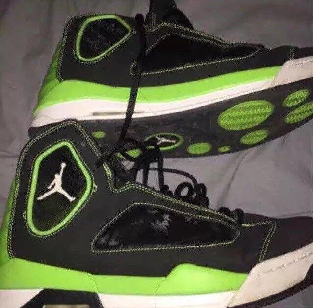 Jordan Flight Luminaria Negro verde Talla  12 auténtico Para hombres