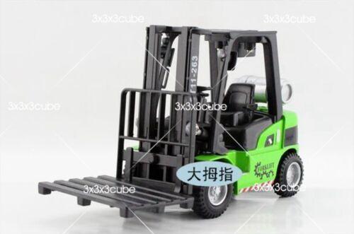 Green 1:24 Forklift Diecast Model Construction Firetruck with SOUND & LIGHT