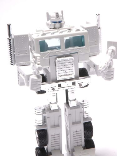 Transformers OPTIMES PRIME G1 transformers Reissue AutoBot Collection White Hot