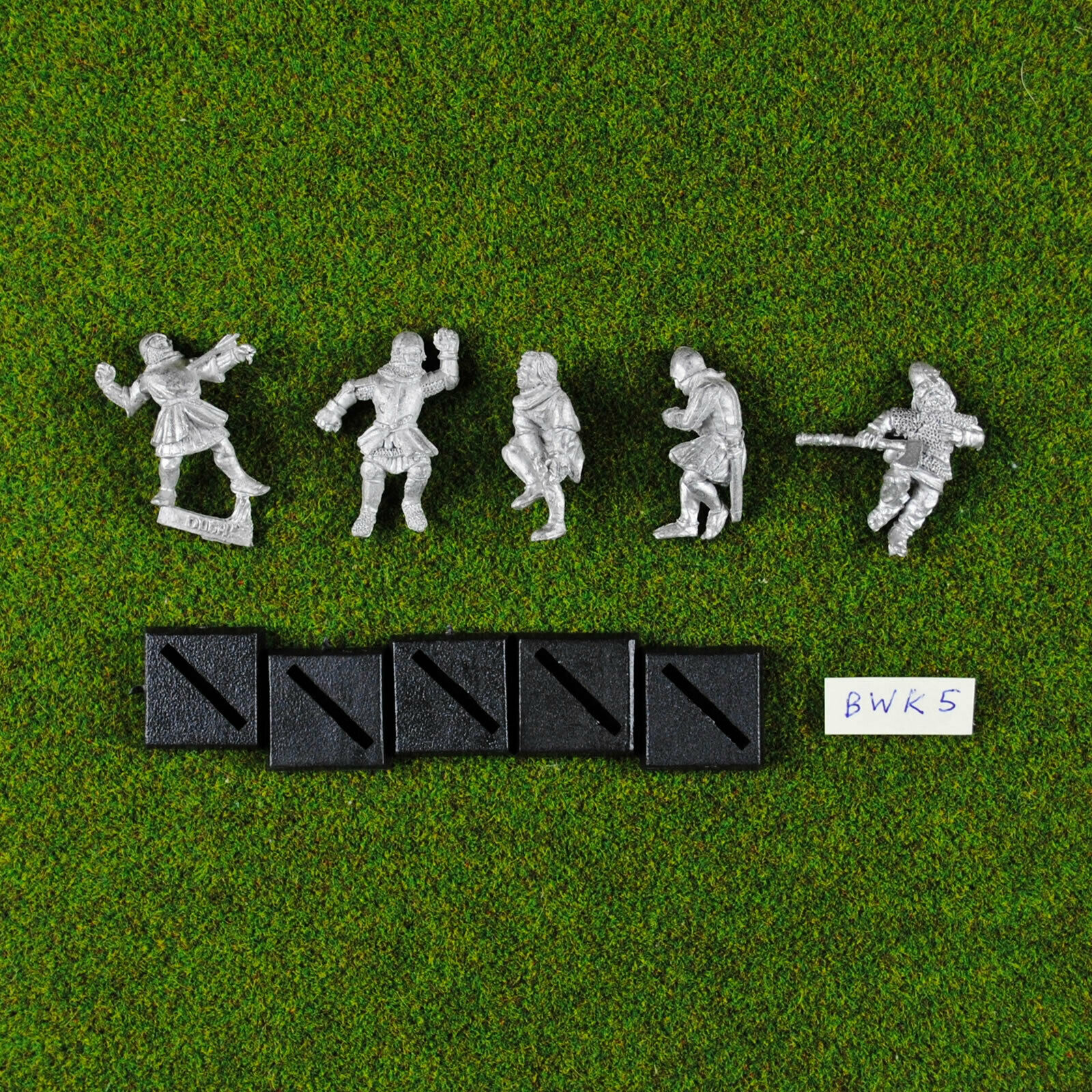 Warhammer Classic Citadel Bretonnian Wounded   Casualty (x5) Metal - Rare & OOP