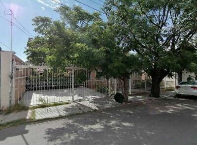 Casa en Venta en Lomas del Santuario con 2 Rec. en Planta Bajaa