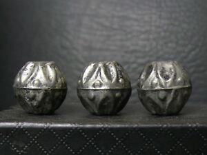 Neueste Kollektion Von dc025 Tibet: 3 Tibetan Old Hand Made Metal Beads 20mm Diameter