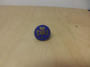 Girl-Guides-c-1950s-1960s-Enamel-Badge