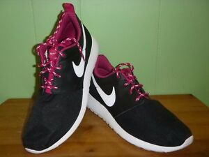 abcdd189c597 Nike Roshe One GS Girl s Shoes Sz.6.5 Y US Black NWOB