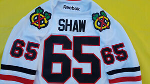 Andrew-Shaw-Chicago-Blackhawks-Jersey-Mens-Large-white-Reebok-Stanley-Cup-Era