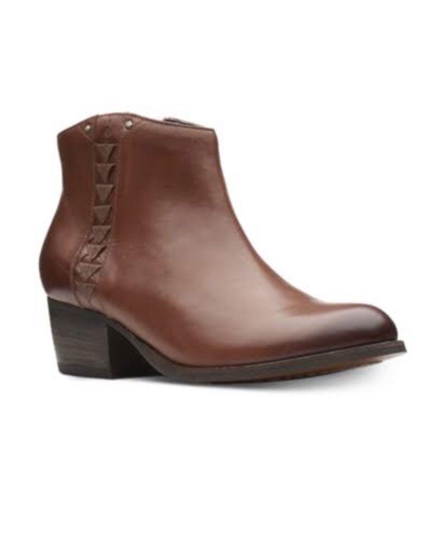 NIB Clarks Maypearl Fawn Dark Tan Leather Women's Size 9