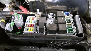 details about 2004 2007 volvo s60 s60r v70 v70r engine fuse box relay block oem 2004 Volvo S60r Fuse Box