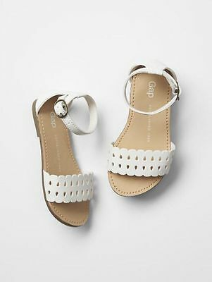 NWT Baby Gap Toddler Girls Size 8 White Scalloped Strappy Sandals Shoes