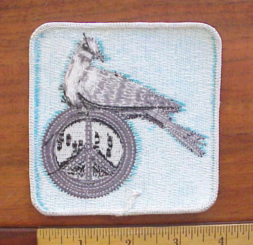"""4/"""" x 4/"""" BEAUTIFUL DOVE BIRD ON PEACE SYMBOL EMBROIDERED IRON-ON PATCH APPROX"""