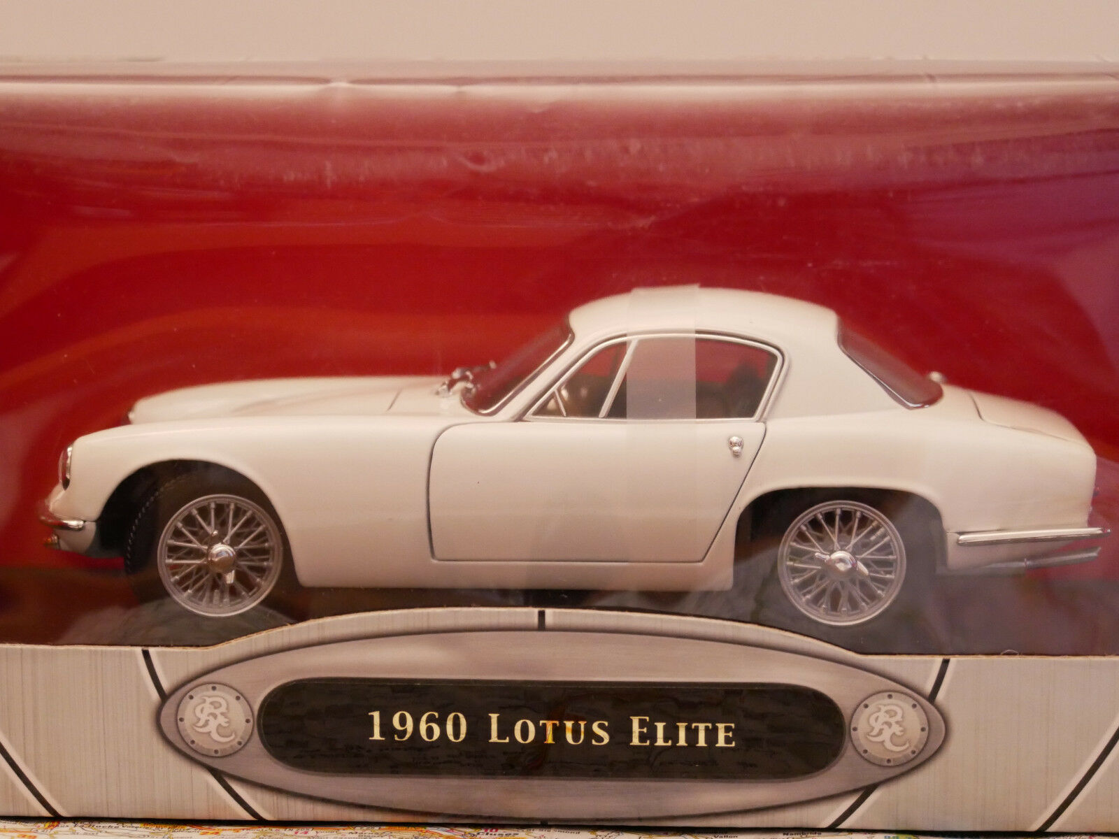 YAT-MING 1960 LOTUS ELITE WHITE ROAD SIGNATURE COLLECTION 1 18  NEW