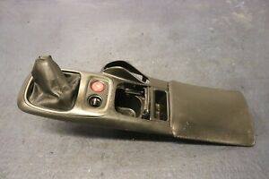 2000-00-HONDA-S2000-AP1-F20C-2-0L-OEM-CENTER-CONSOLE-SHIFTER-BEZEL-WEAR-3279