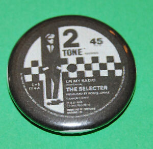 Two-Tone-record-label-the-selector-Button-Badge-25mm-Madness-The-Specials