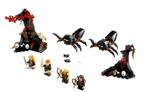 LEGO The Hobbit NEW IN BOX 79001 298 pieces Escape from Mirkwood Spiders