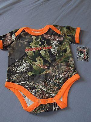 Camo Realtree APG Baby Bib NWT hunting fishing outdoor sportsman infant