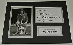 Alan Thompson Signed Autograph A4 photo mount display Celtic Football AFTAL COA