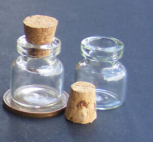1-12-Scale-2-Glass-Storage-Jars-1-7cm-High-With-Corks-Tumdee-Dolls-House-G25o