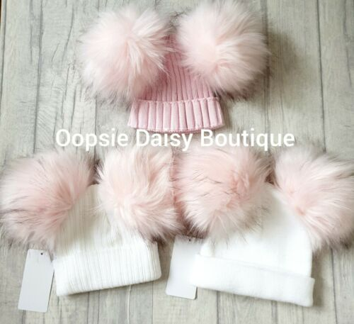 Filles Belle Maille Large Pom Pom Chapeaux Taille 0//1yr /& 1//3yrs ⭐