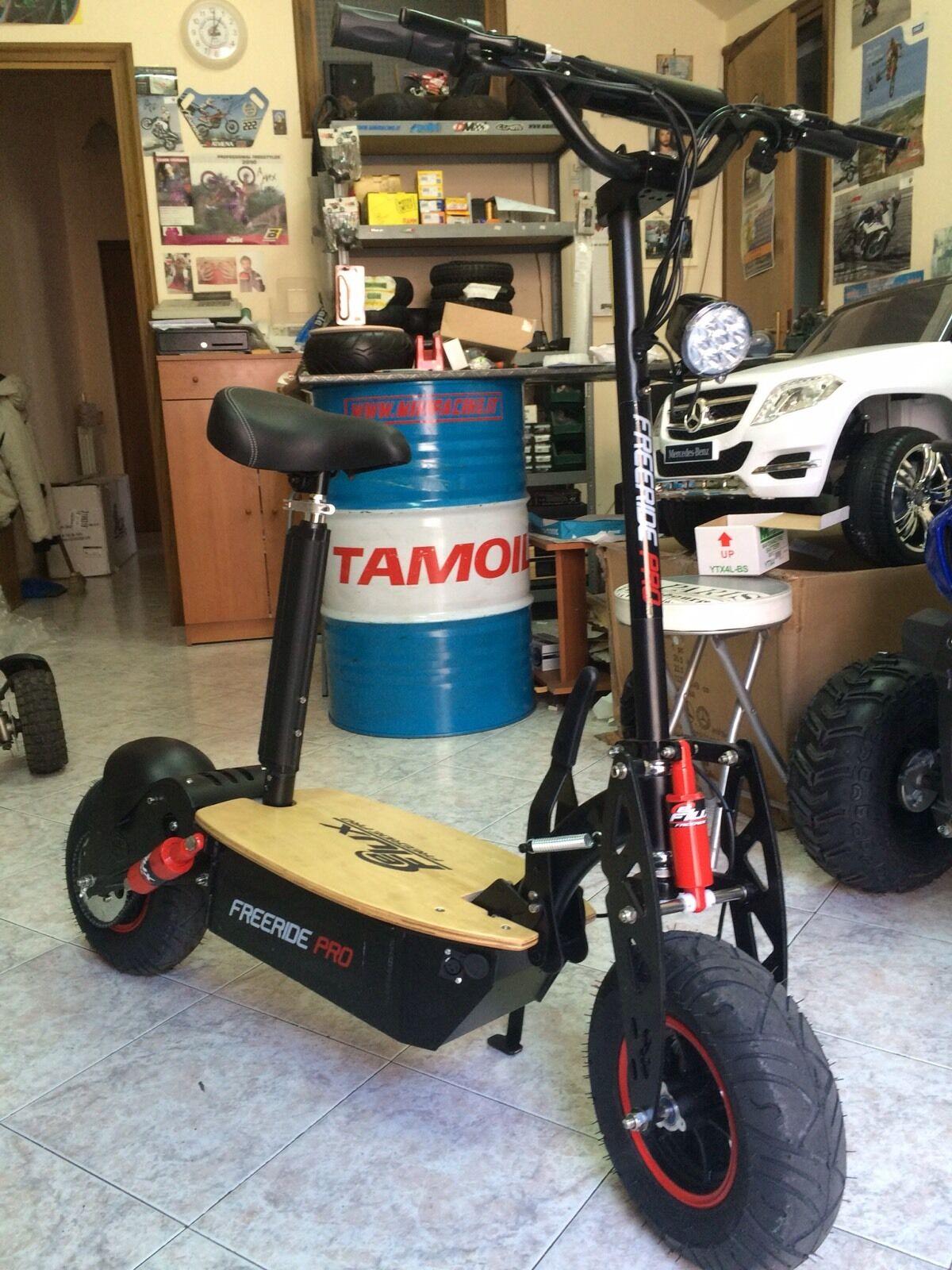Sedia rotelle Macchine e moto in vendita a Reggio Calabria