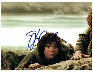 Elijah-Wood-Signed-Autographed-8x10-Photo-Lord-of-the-Rings-The-Hobbit-COA-VD
