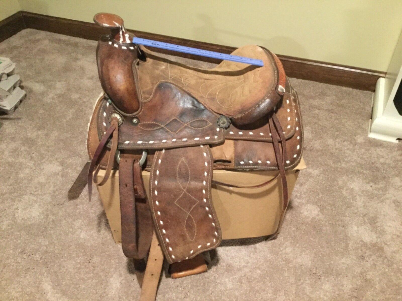 """Vintage Western bucksticthed saddle 13"""""""