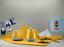 Delonghi-KBOC2001Y-1-7L-Icona-Capitals-Kettle-with-Swivel-Base-New-York-Yellow thumbnail 4