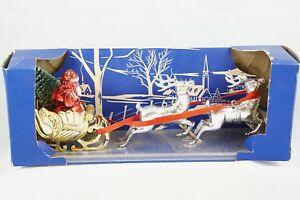 Bradford-Vtg-Plastic-Christmas-Decoration-Ornament-Santa-Sleigh-Reindeer-Tree