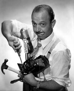 OLD-CBS-RADIO-PHOTO-Radio-Comedian-Mel-Blanc-Host-Of-The-Mel-Blanc-Show-1