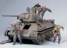 Tahk Tank 1:35 Escaping Soviet Tank Crew Winter 42-45 2 Resin Figures Kit T35101