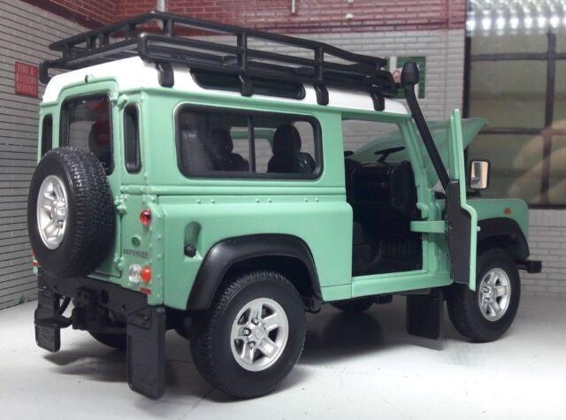 Land Rover Defender Heritage Green Snorkel Roof Rack 1:24 Scale Diecast Model