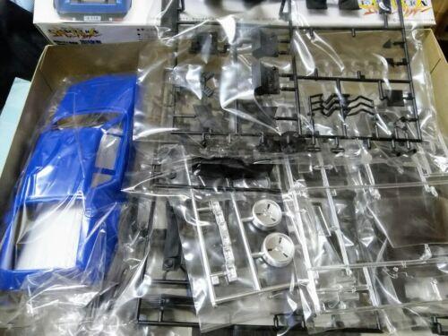 Aoshima Evangelion 1:20 Automobile A310V6 Asuka Soryu /& Shinji Ikari model kit