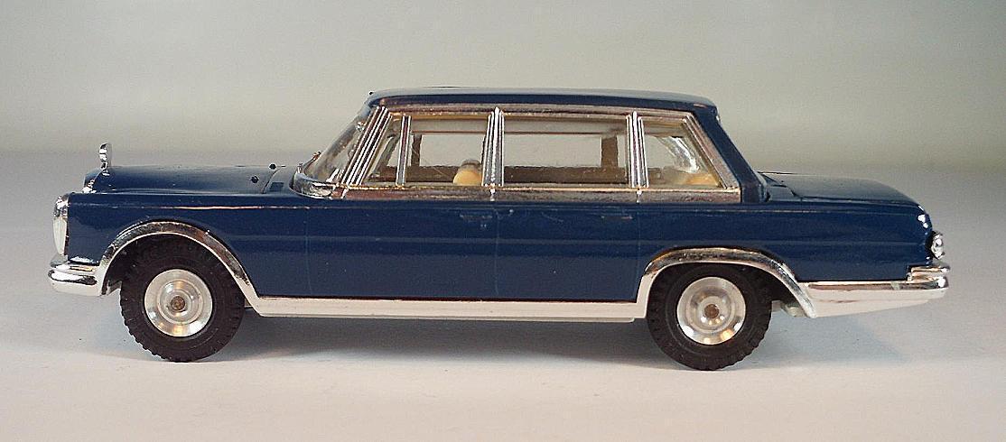Gama mini - mod - 1   45. 972 mercedes - benz 600 limousine dunkelblau   6376