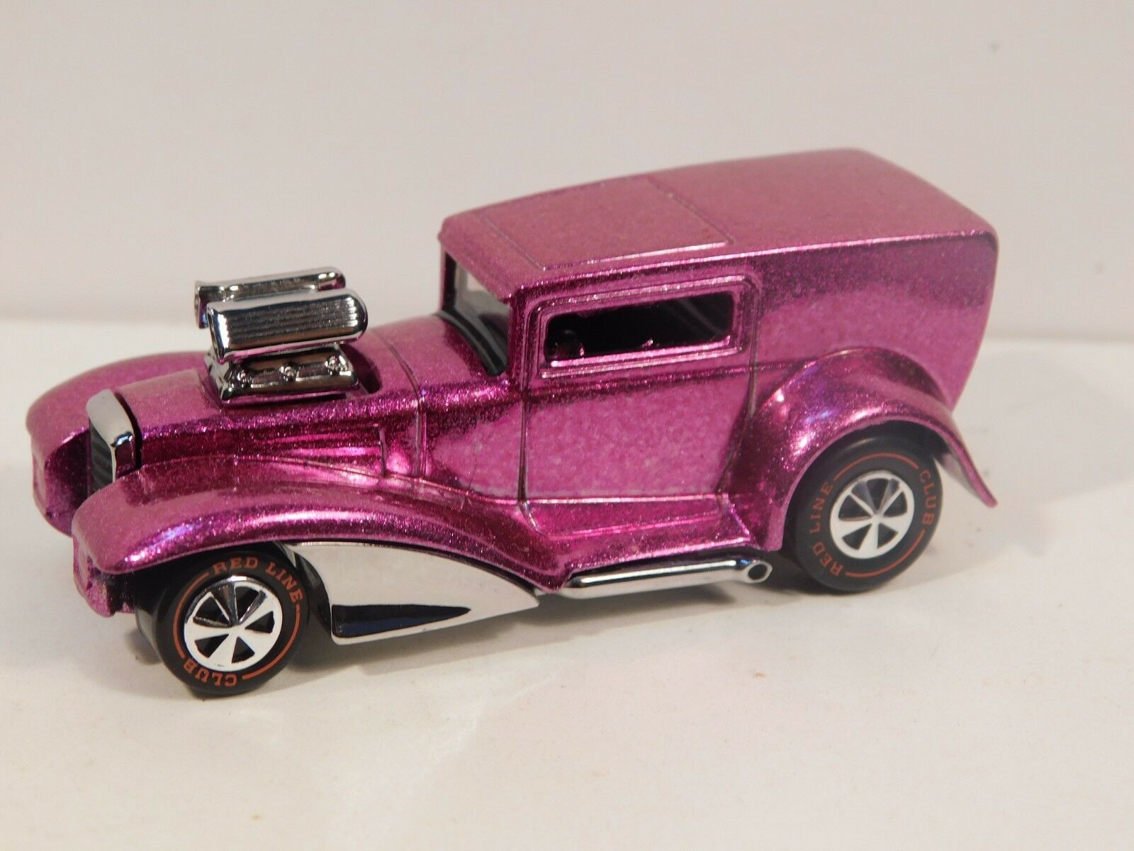 MOB Rod Hot wheels rougeline Premium Resto-Conversion Rose