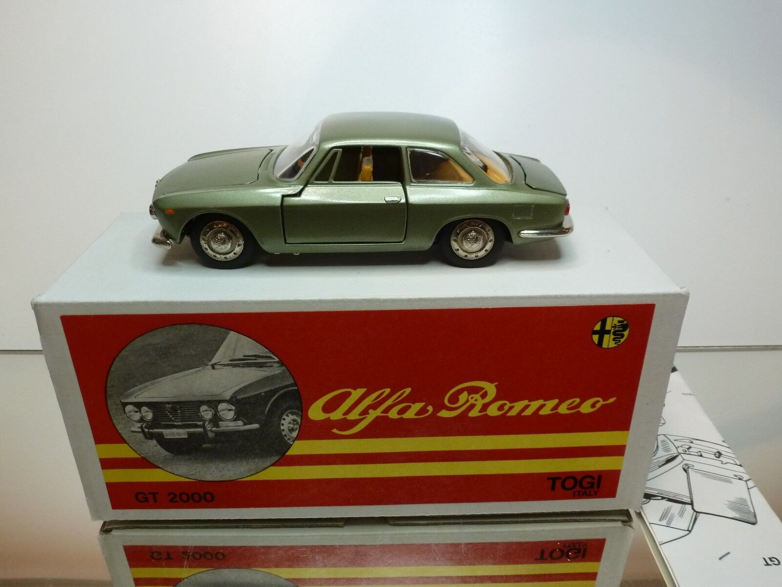 TOGI 8 65 ALFA ROMEO GIULIA GT 2000 - vert METALLIC 1 23 - GOOD IN BOX