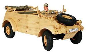 Tamiya 1/16 Allemand Kubelwagen Type 82 Africa-corps * / Feldmarschall Rommel