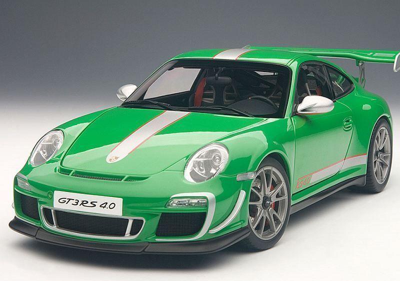 1/18 Autoart Porsche 911  997  gt3 RS 4.0  verde  2011