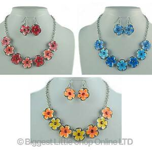 New-ladies-floral-emaille-assorti-collier-amp-boucles-d-039-oreilles-vacances-ete-joli