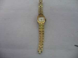 Vintage-Timex-Ladies-Watch-For-Parts-or-Repair-Wind-Up