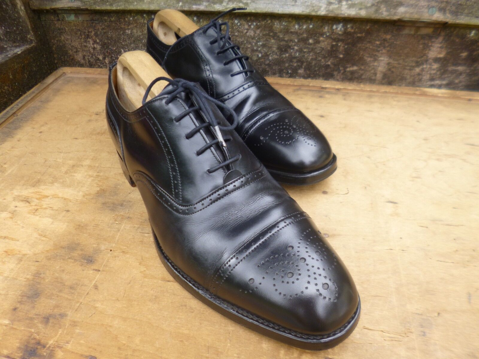 CHEANEY BROGUES - BLACK - UK 8.5 – CADOGAN - EXCELLENT CONDITION