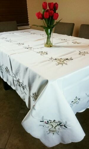 """72x108/"""" Embroidery Cutwork Christmas Embroidered Tablecloth Napkins Elegantlinen"""