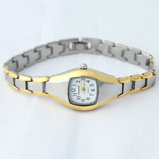 CASUAL CHAOGADA HIGH QUALITY LADIES WRIST WATCH IN VELVET JEWELLERY BAG